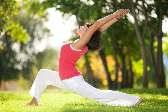 Yoga, una pratica efficace per la salute delle articolazioni