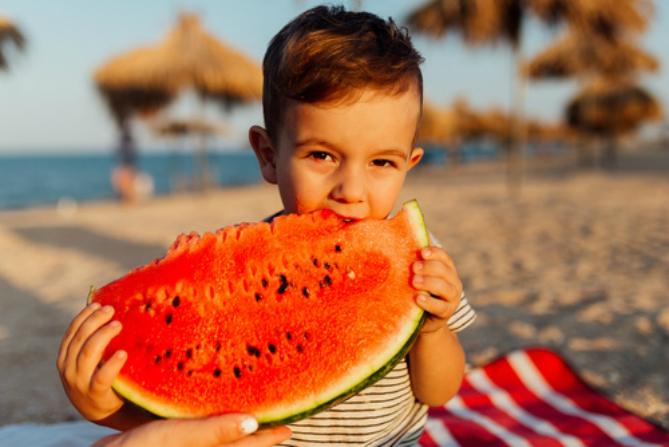 Cosa mangiare in spiaggia con i propri bambini