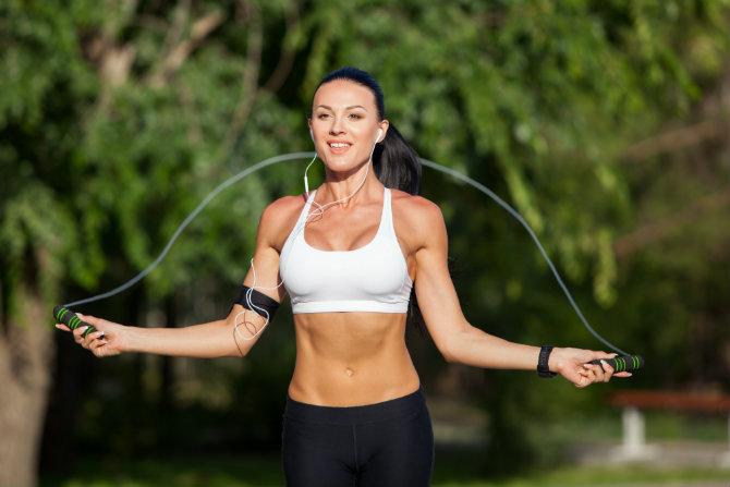 esercizi equilibrio corpo libero